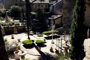 Image 10. Roman garden